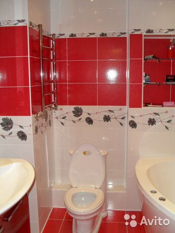 Дизайн ванной комнаты красно белого цвета