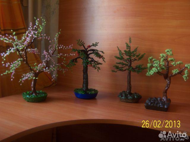 Делаю на заказ деревья из бисера и продаю уже готовые.  Учу делать бонсаи.  В продаже Изготовление деревьев из бисера.