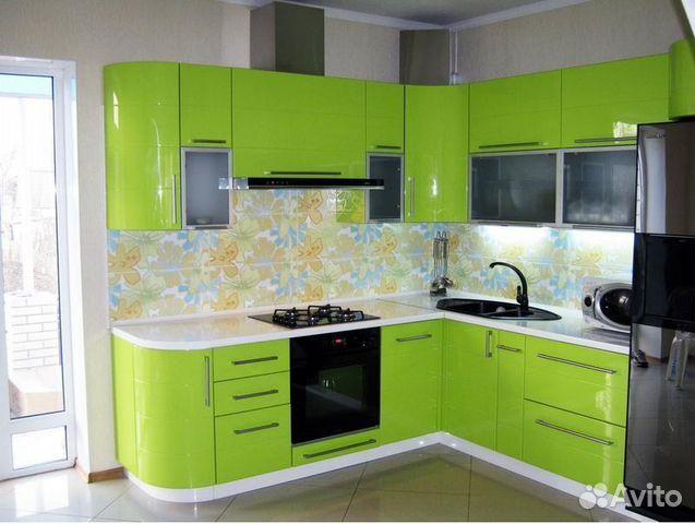 угловые кухни салатовые фотографии