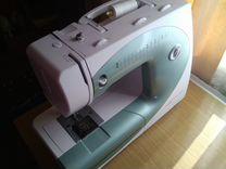 Продам швейную машинку bernette 2066
