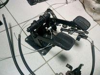 Универсальные педали для учебного автомобиля