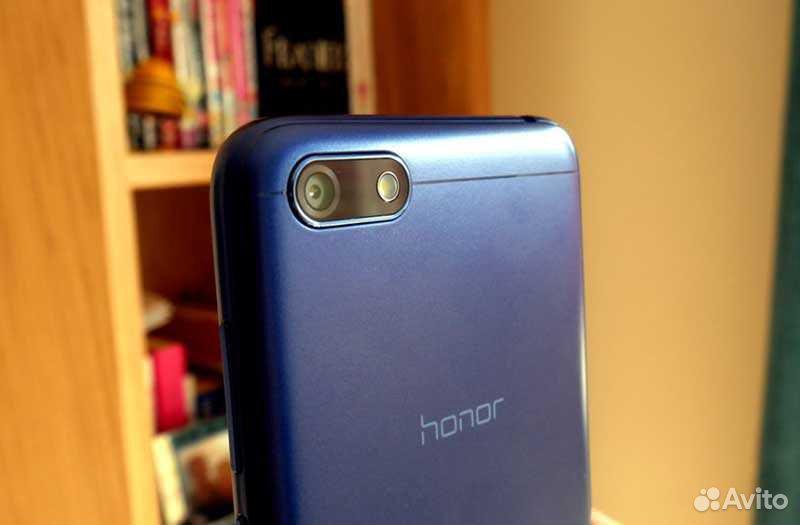 Телефон Huawei Honor 7s с чехлом и защитным стекло